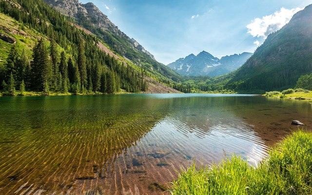 Maroon Bells - Colorado Mountain Lake