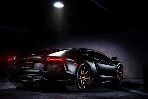 Lamborghini Aventador LP700-4 Car