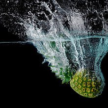 Pineapple Water Splash